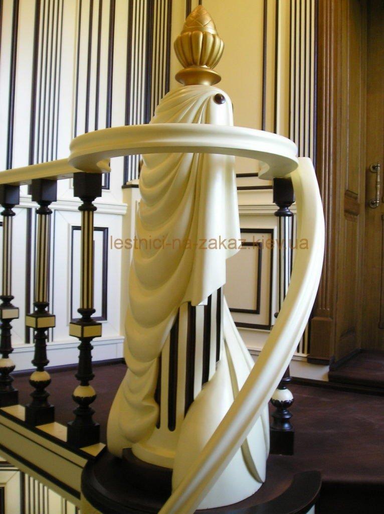 раскошная деревянная лестница