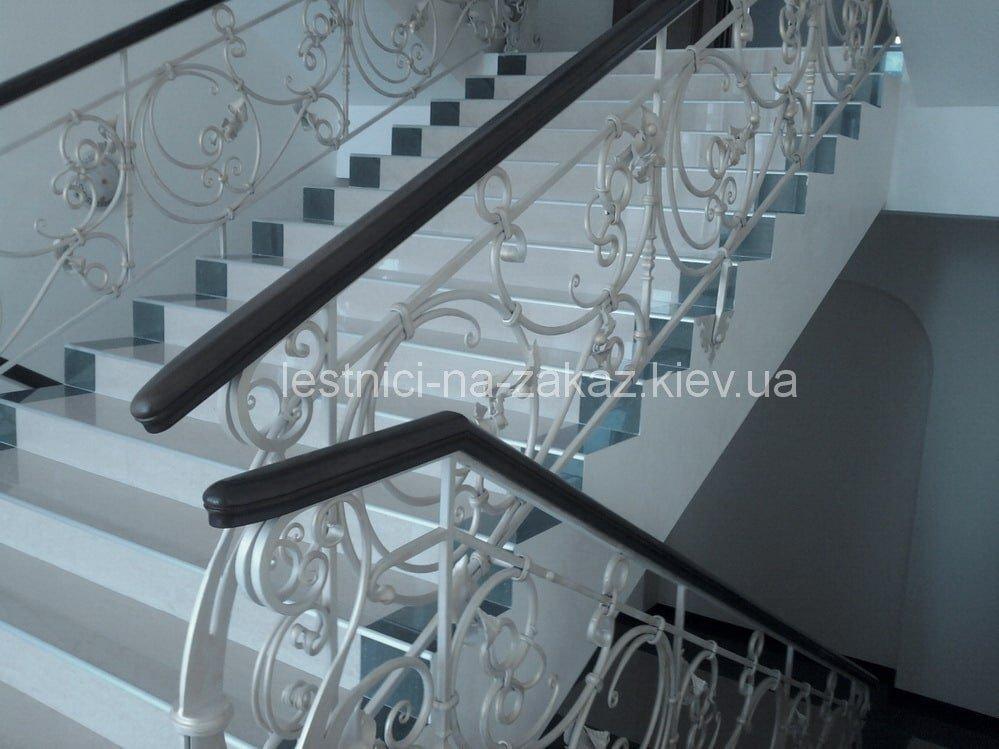 мраморная из бетона лестница на заказ
