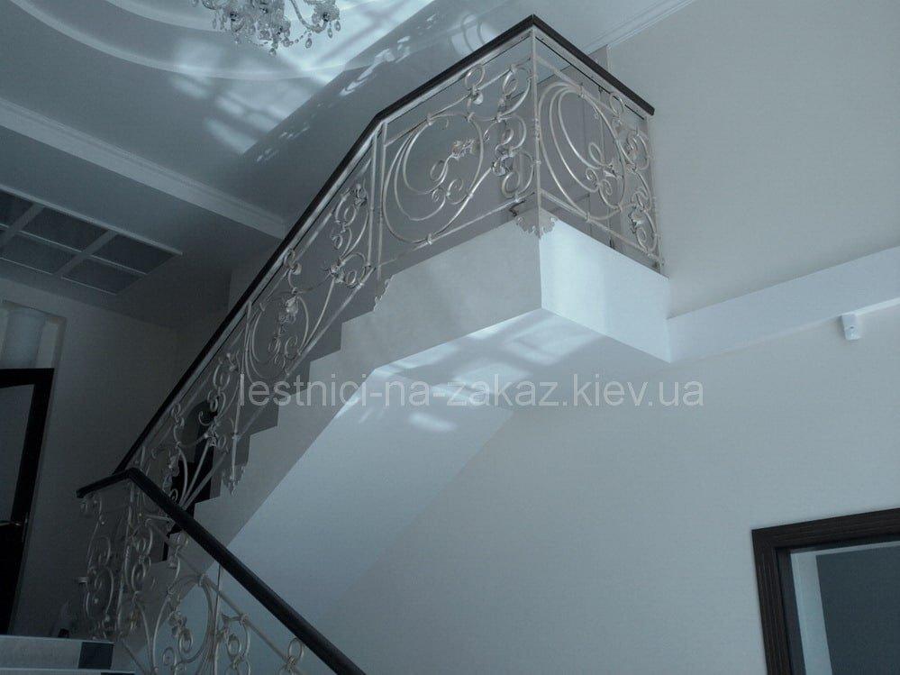 декоратинвые элементы лестниц из металла