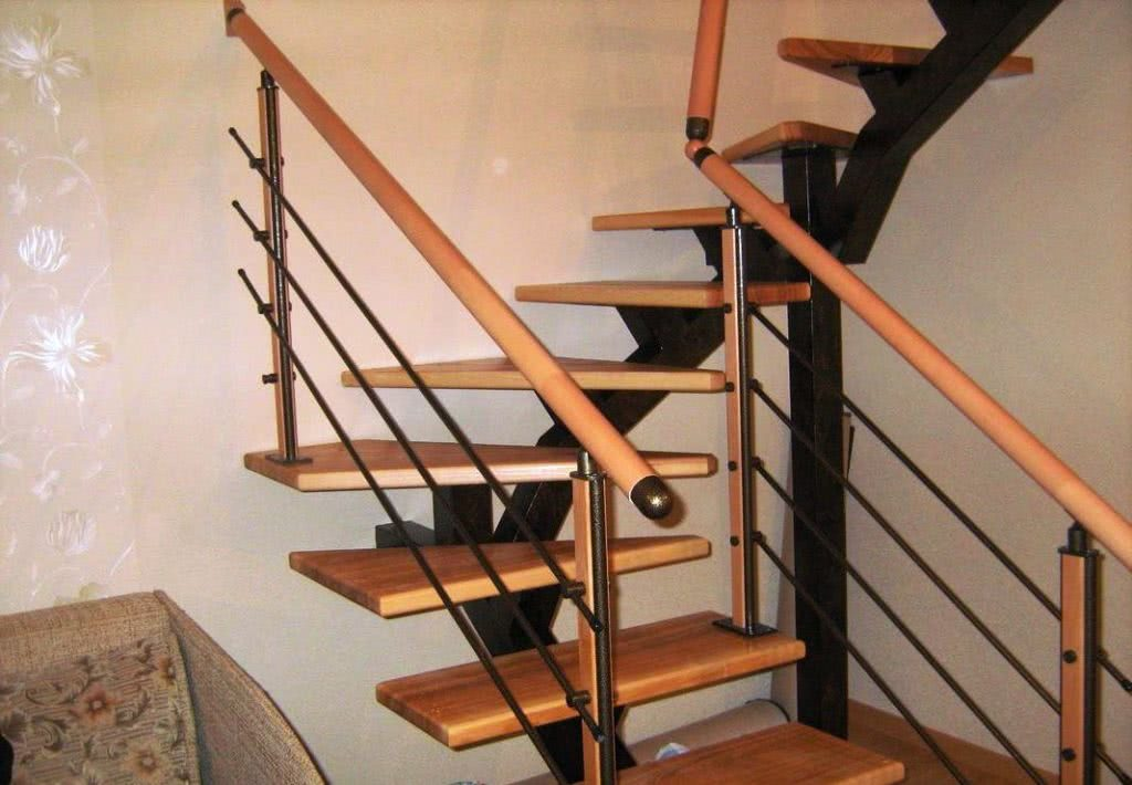лестница открытая с подвесными ступенями под заказ