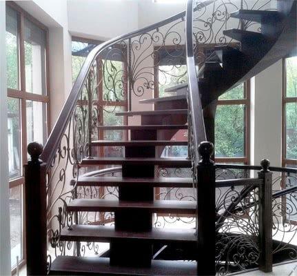 спиральная лестница на заказ металл