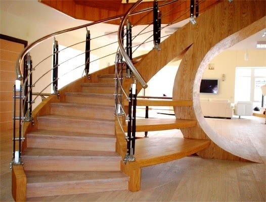 Круговая лестница на второй этаж на заказ