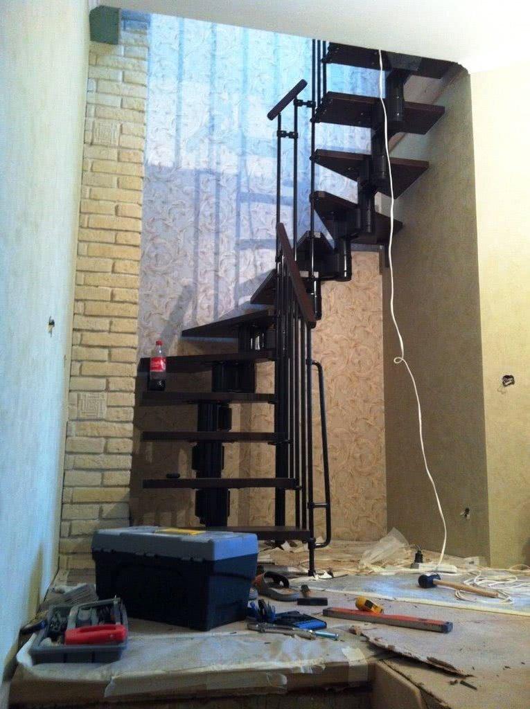установка открытой лестницы