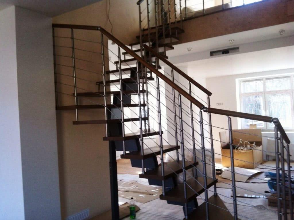 Лестница комбинированная из металла