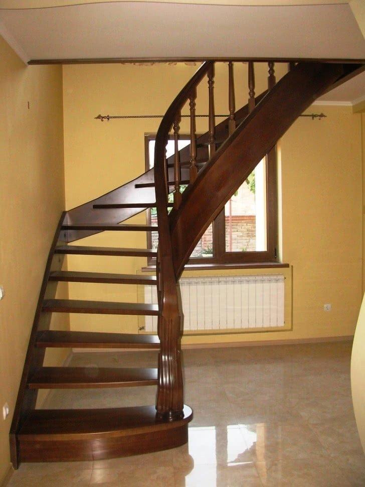 установка открытой лестницы в доме на заказ Цены