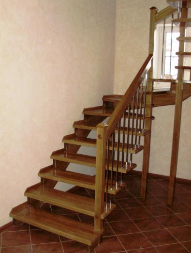 Комбинированные лестницы на второй этаж на заказ