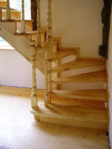 открытая деревянная лестница под заказ