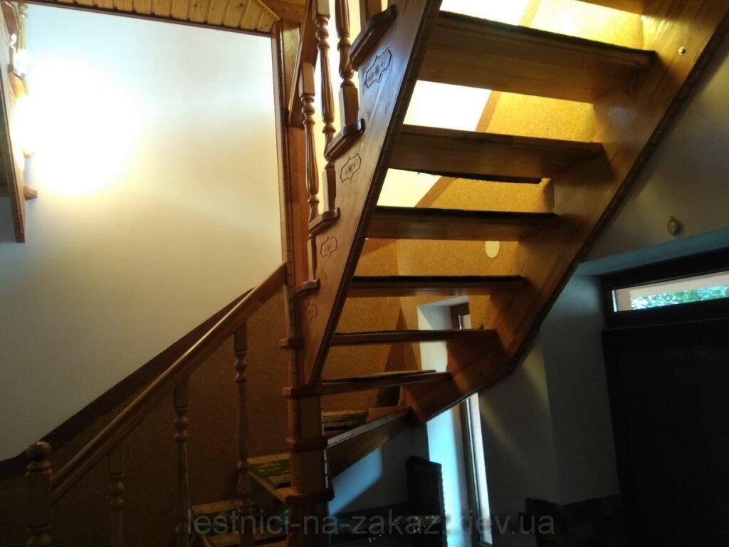 двухмаршевая лестница из дерева Киев