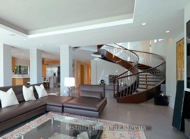 стоимость винтовой деревянной лестницы на второй этаж