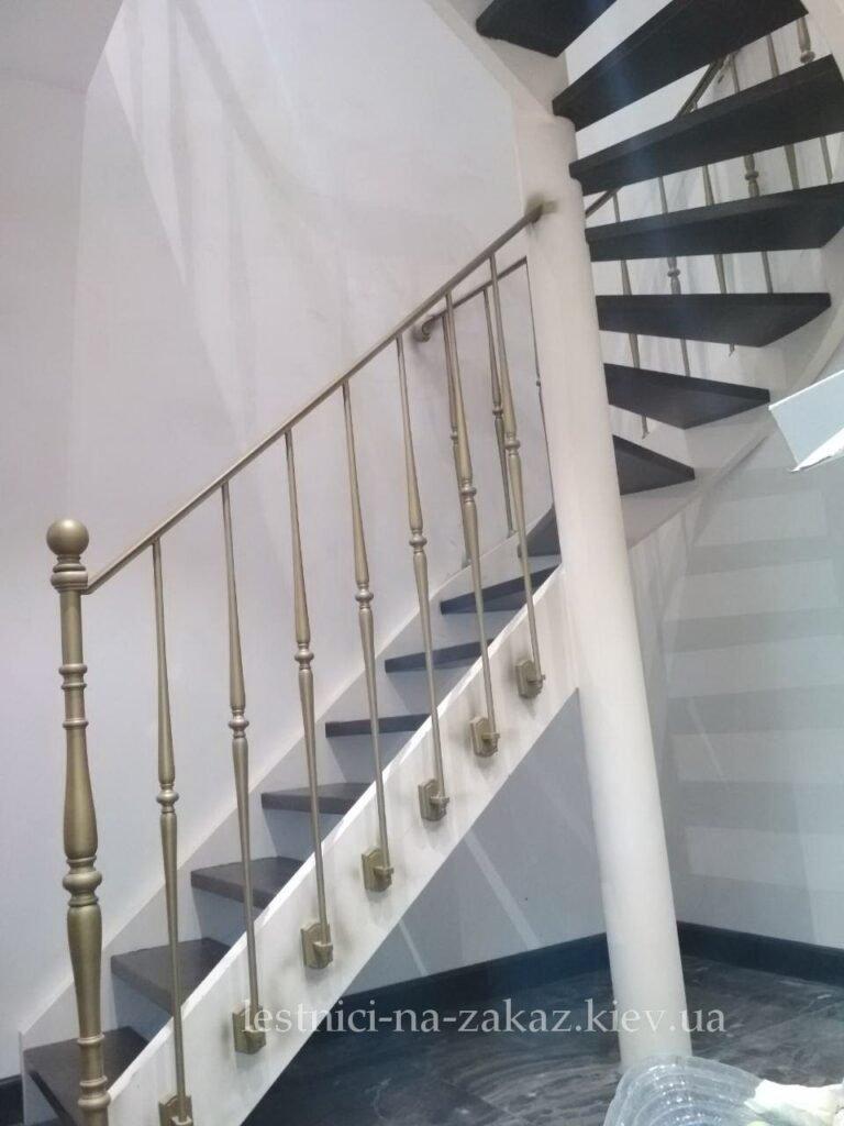 Открытые лестницы круговые из металла на заказ