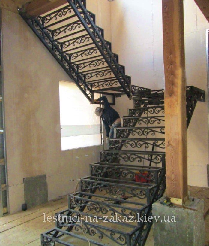 каркасные наружные металлические лестницы цена