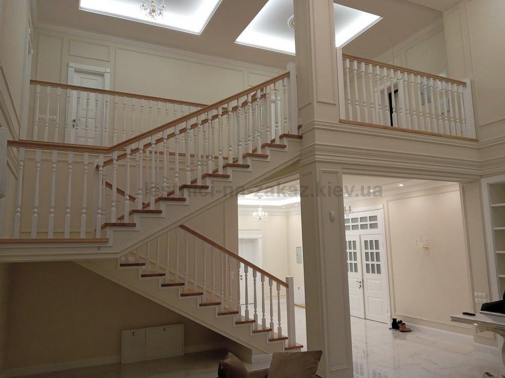 лестницы на второй этаж дома