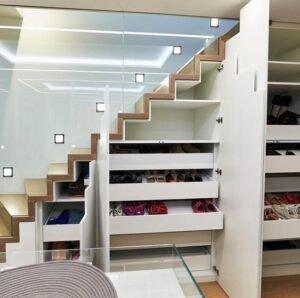 заказать изготовление лестницы со стеклянными перилами