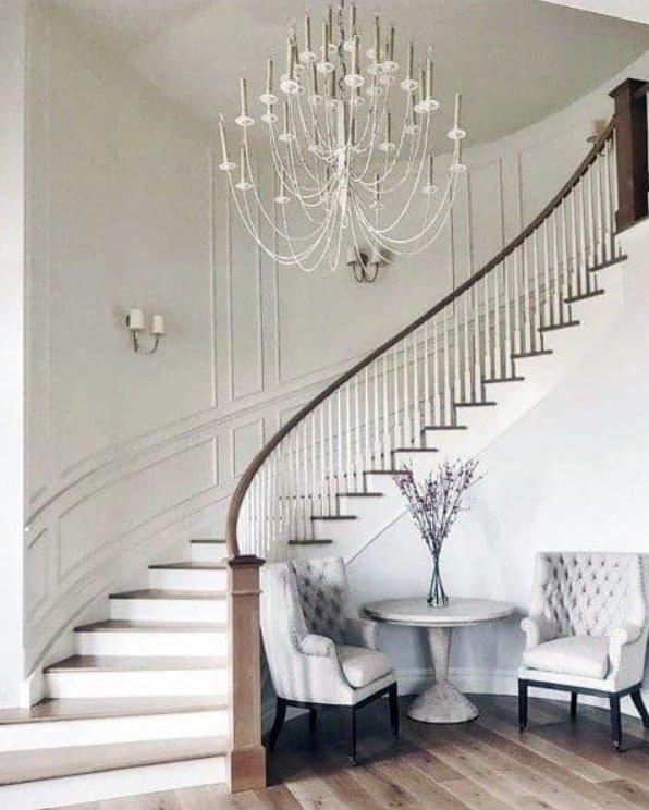 Бетонные лестницы на заказ в дом