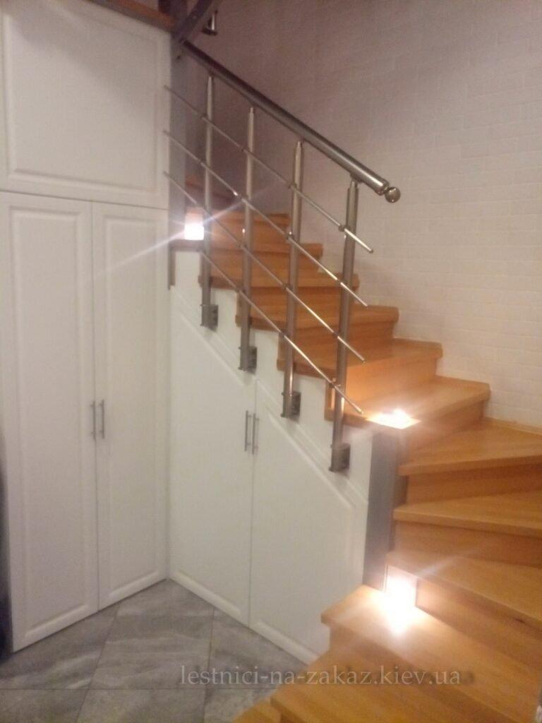трехмаршевая лестница из дерева на заказ