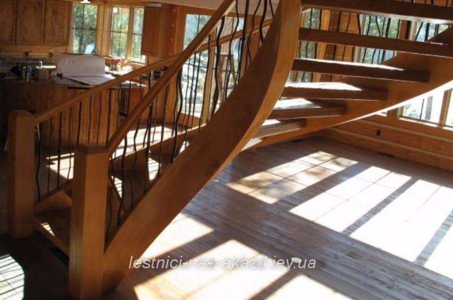 лестница винтовая из массива ясеня
