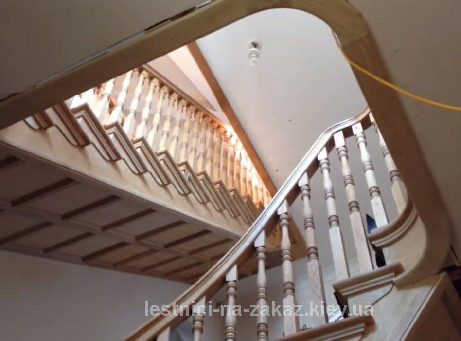 фасадные лестницы для дома фото из дерева
