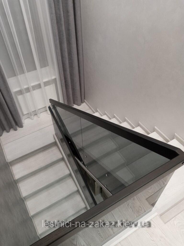 стеклянные ограждения для лестниц под заказ