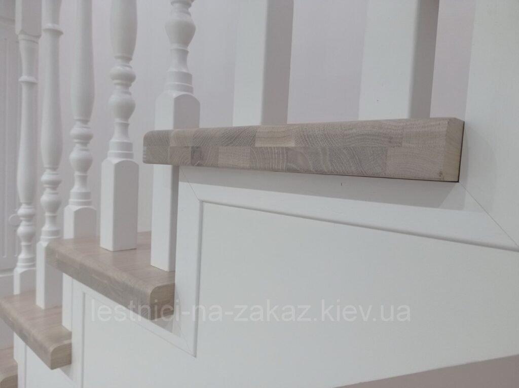 деревянные ступеньки на третий этаж