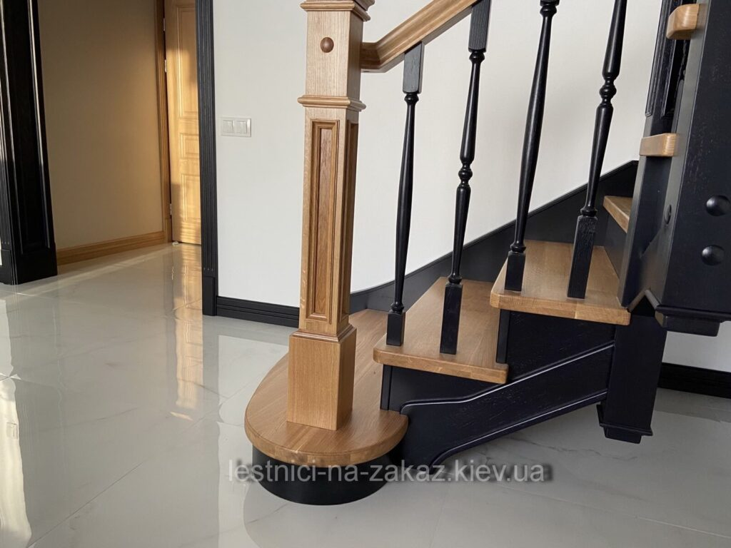 трех маршевая лестница под заказ Киев